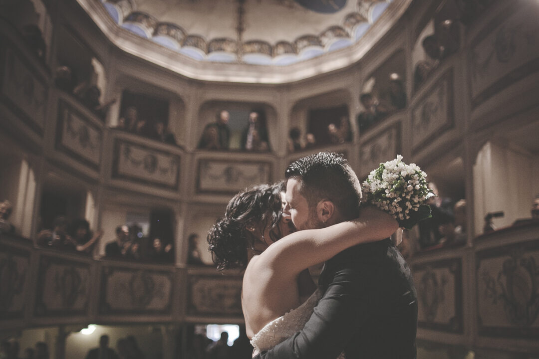 Matrimonio nel teatro più piccolo del mondo